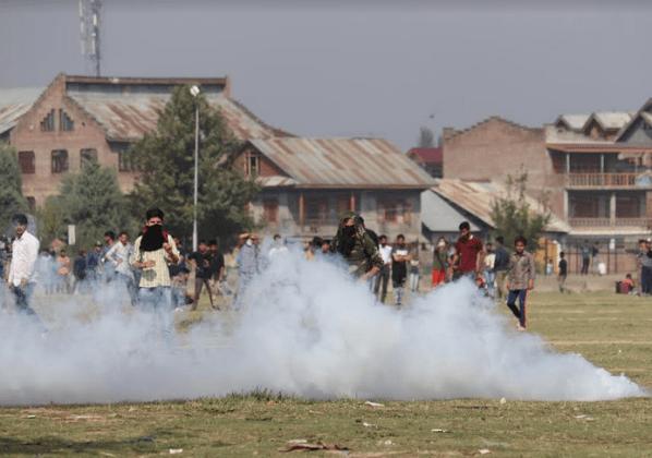 Kashmir encounter, stones in kashmir, kashmir gunfight