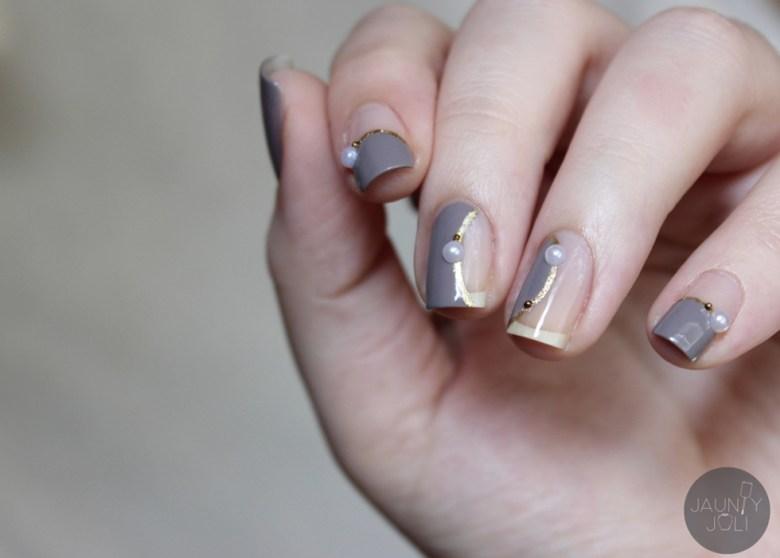 10 minimalist nail art ideas for grown ups grey and gold pearl minimalist nail art prinsesfo Gallery