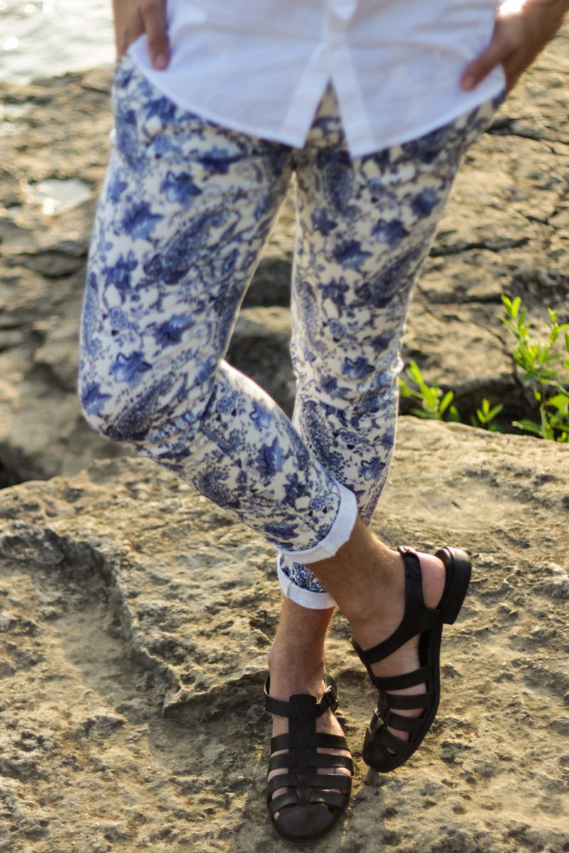 The Kentucky Gent in Original Penguin Sunglasses, H&M Short Sleeve Woven, Zara Paisley Trouser Pants, and Zara Sandals.