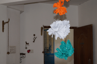 pompoms made of crepe paper