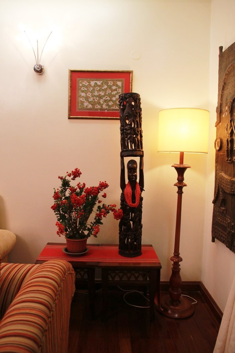 living7kenyan-wood-carving-carved-door-from-mali-patachitra-lotus-painting-from-orissa