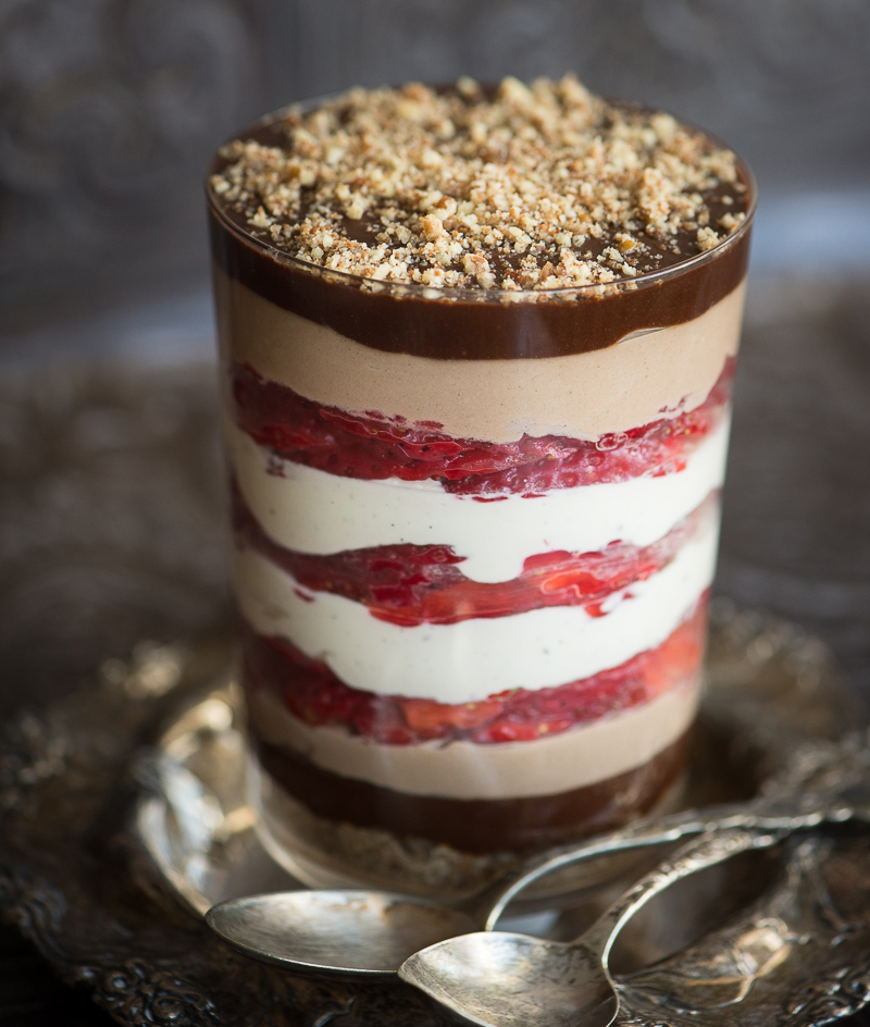 "Raw, Vegan Strawberry Chocolate ""Trifle"""