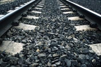 train tracks - freerangestock.com