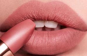 Lipstick Fetish with Stacy