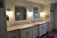 Spacious Transitional Style Master Bathroom - Kitchen Master