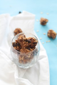 These vegan and gluten free energy balls are PACKED with flavor, healthy fats, complex carbs, and more. They make for the perfect pick me up or quick snack