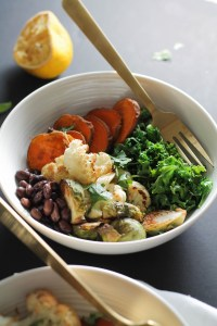 This black beans sweet potato buddha bowl is the perfect, quick and filling dinner that provides flavor, protein, complex carbs, vegetables, and healthy fats! Plus, it's vegan, free, and ready in an hour.