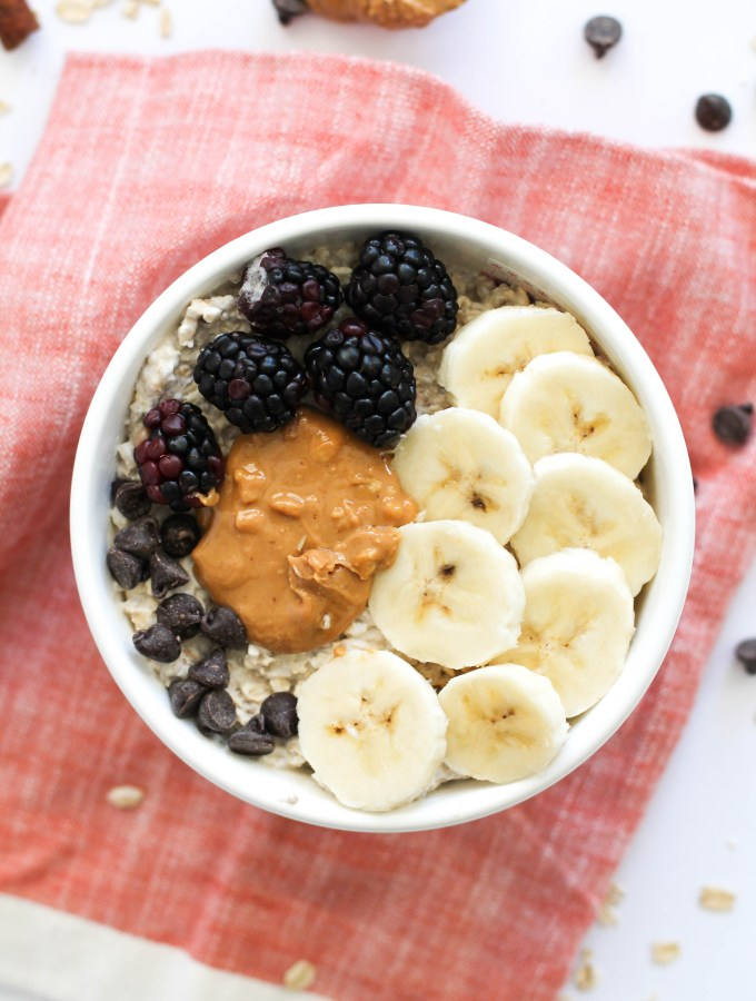 These cookie dough overnight oats are like dessert for breakfast! They're vegan, gluten free, protein packed, and full of flavor. With natural sweetness from the coconut sugar and chocolate chips involved, these take your oatmeal game to a whole new level.