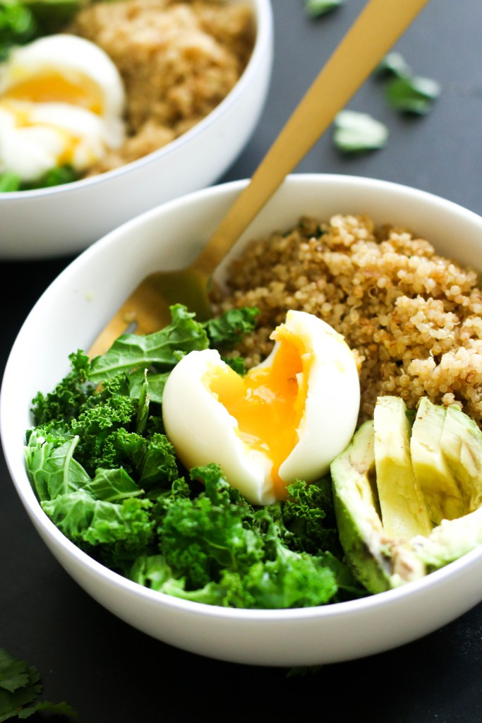 Spicy Quinoa Breakfast Bowl