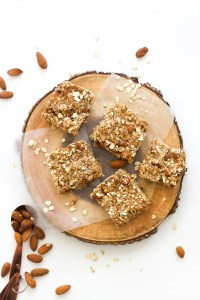 These no bake maple almond bars are gluten free, protein backed, and the perfect snack that are naturally sweet and easy to make!