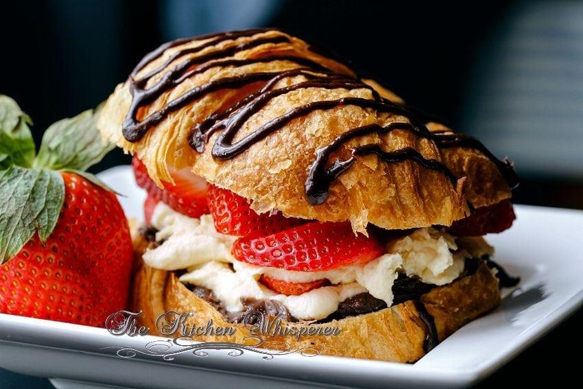 Croissant Love