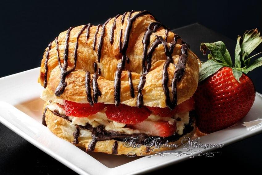 Croissant Love5