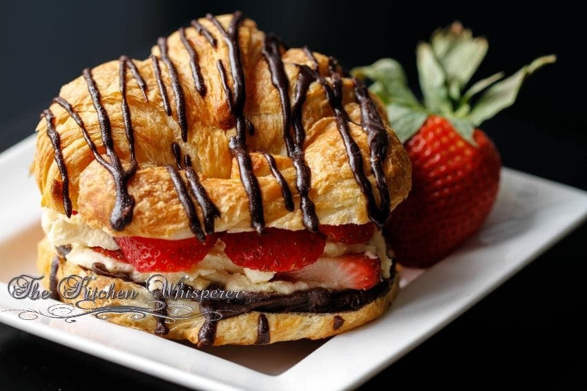 Croissant Love6