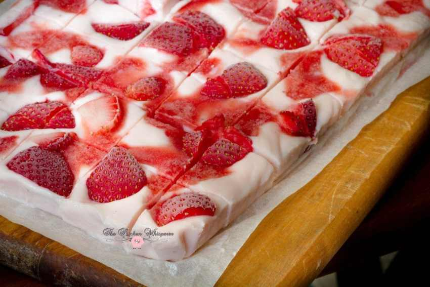 Frozen White Chocolate Strawberry Yogurt Bark5