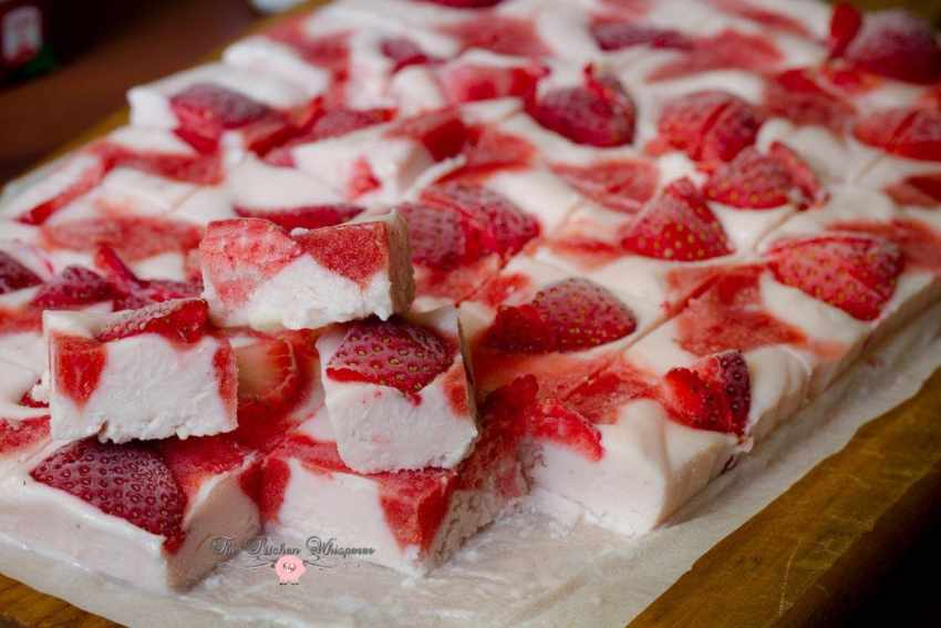 Frozen White Chocolate Strawberry Yogurt Bark6