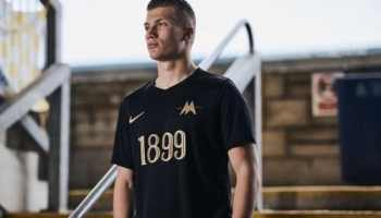 premium selection bf08d 397f6 Juventus 120th Anniversary Shirt Released | The Kitman