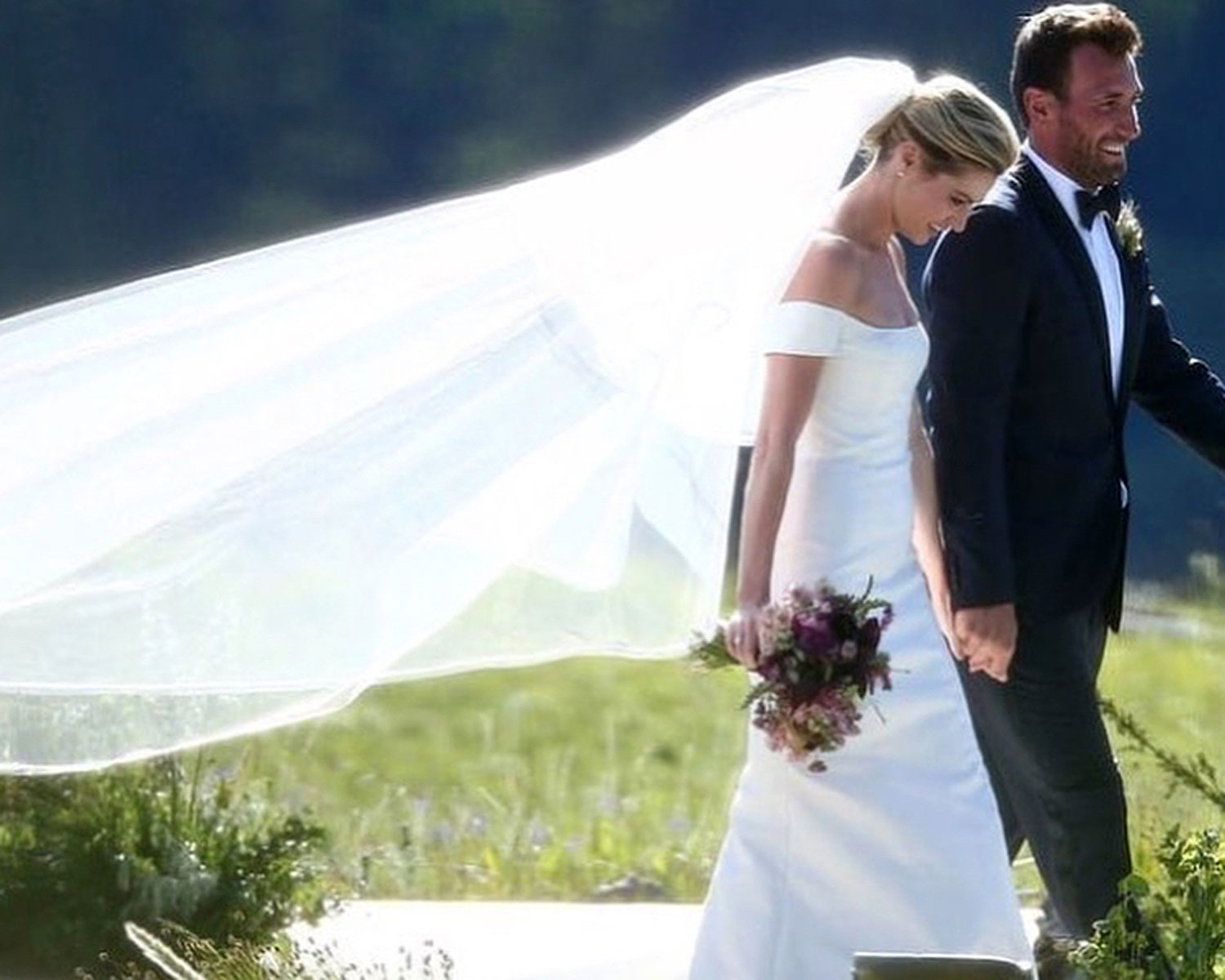Erin Andrews Wore a Second Wedding Dress: See the Photos