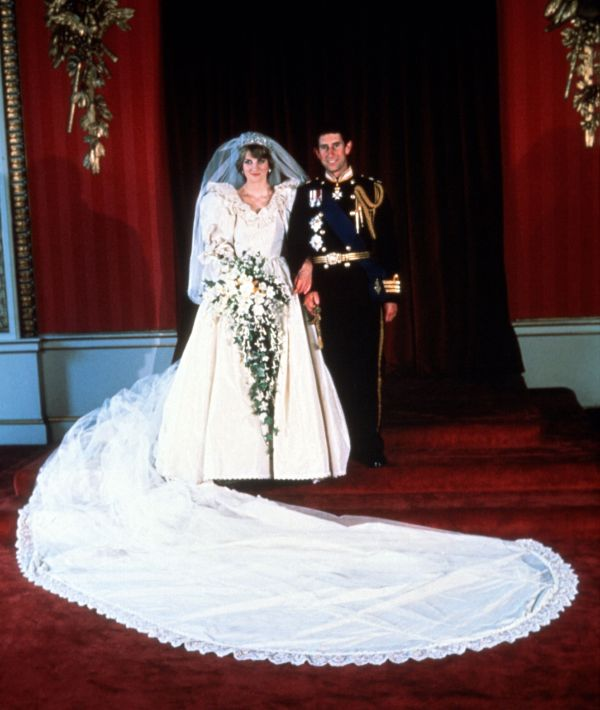 Princess Dianas Wedding Dress Designer Reveals New Gown Facts