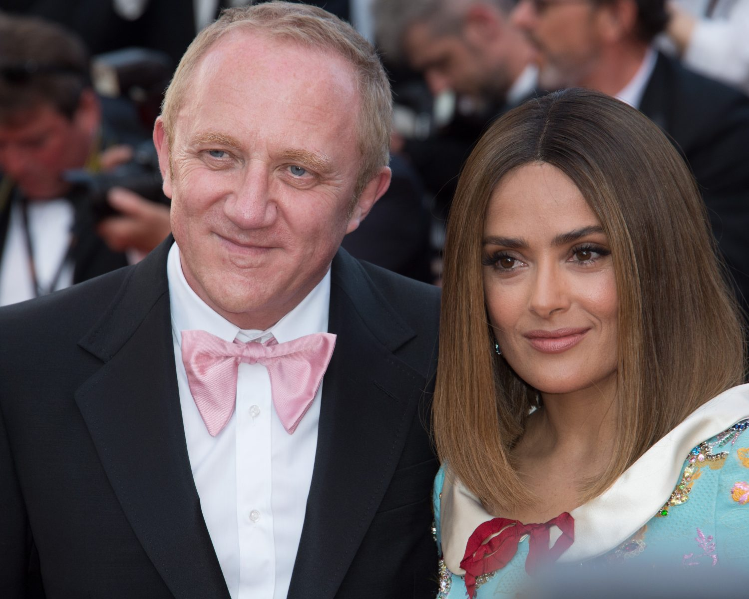 Salma Hayeks Husband Surprised Her With A Romantic Vow