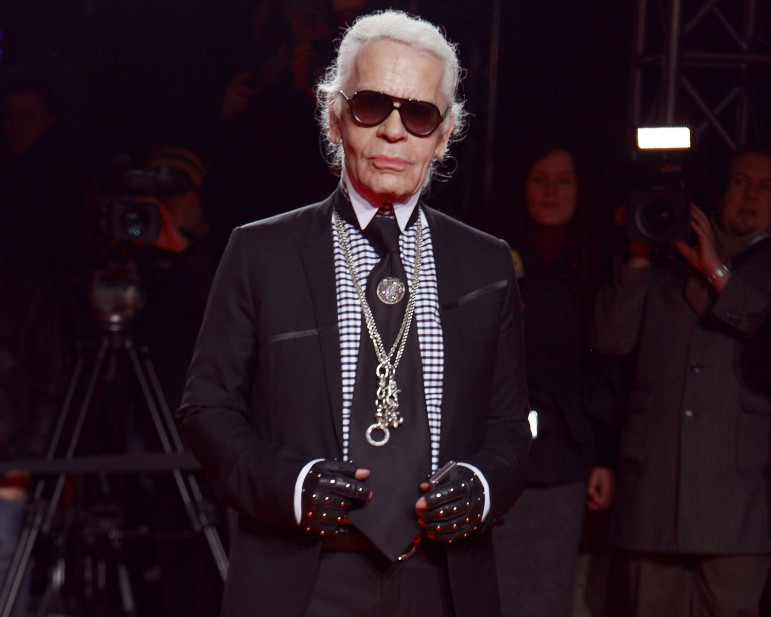 Karl Lagerfeld Dies Chanel Haute Couture Wedding Dresses He Designed