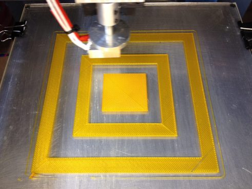 Printing an aliment test pattern in PLA
