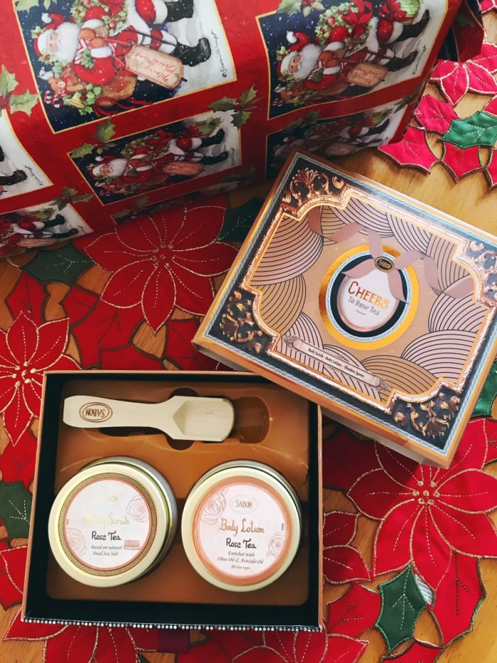 Unique Holiday Gift Guide 2017 // The Krystal Diaries