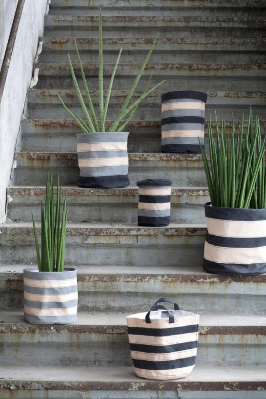 Serax-Flower-pots-can-transform-any-garden-or-interior-3-682x1024