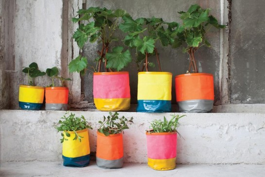 Serax-Flower-pots-can-transform-any-garden-or-interior-6-1024x682