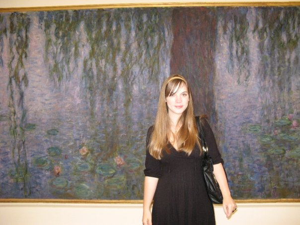 Your podcast producer (circa age 19) visiting the waterlilies at the Musee de l'Orangerie.