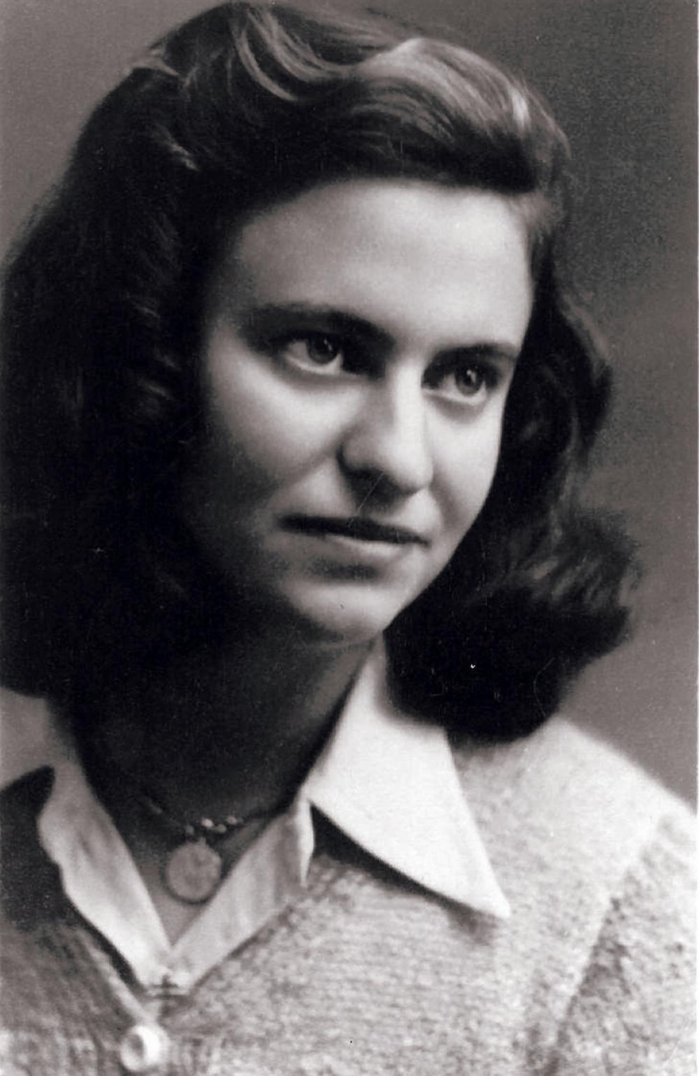 Marie Jo Chombart De Lauwe : marie, chombart, lauwe, Women, Survivor, (Marie-José, Wilborts), Desire