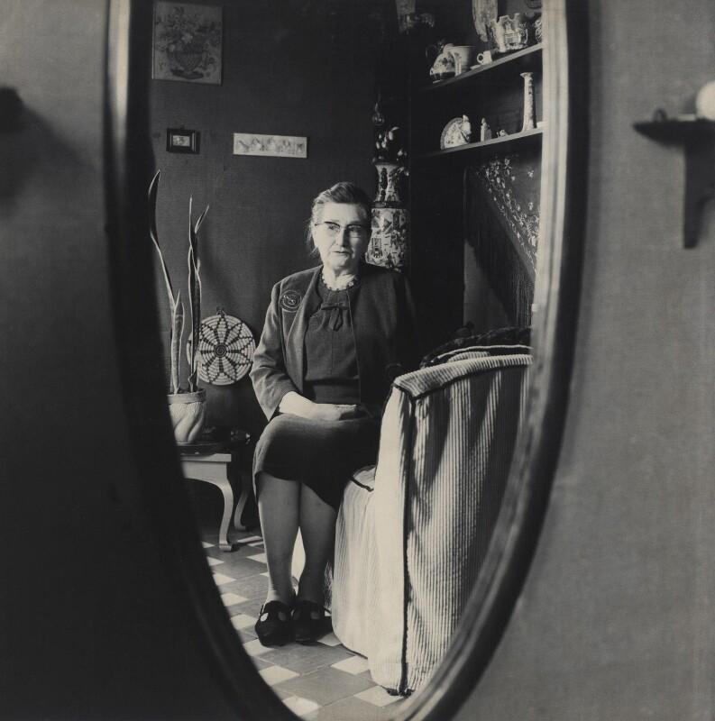Black and white portrait of an elderly Celeste Albaret