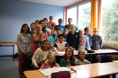 Souvanh Navong visits a German classroom