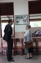 Mme Engel shows Mr Heller around