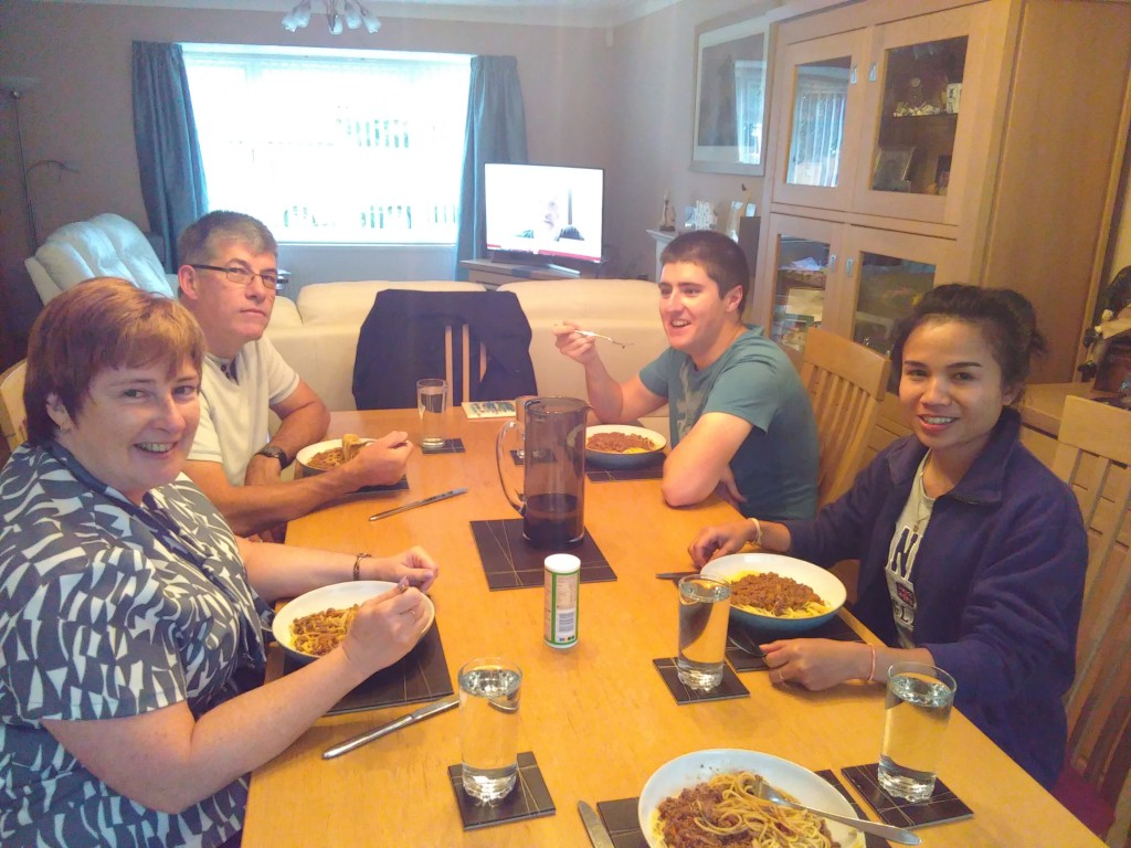 My host family in England – Letters from England by Donekeo Keositthivong