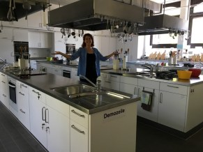 Heike Müller shows us the kitchen