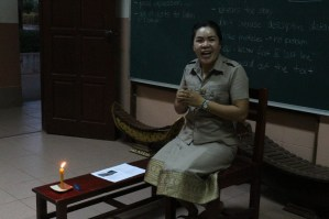 "Ms Bounpheng tell the story ""The Noisy House"""
