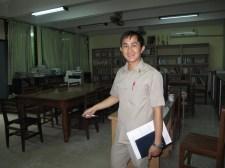 Vacky Wangyeng shows Prof. Martin the library (September 2016)