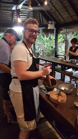 Fabian takes a cooking class in Luang Prabang
