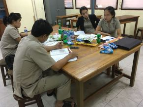 English teachers work and plan together