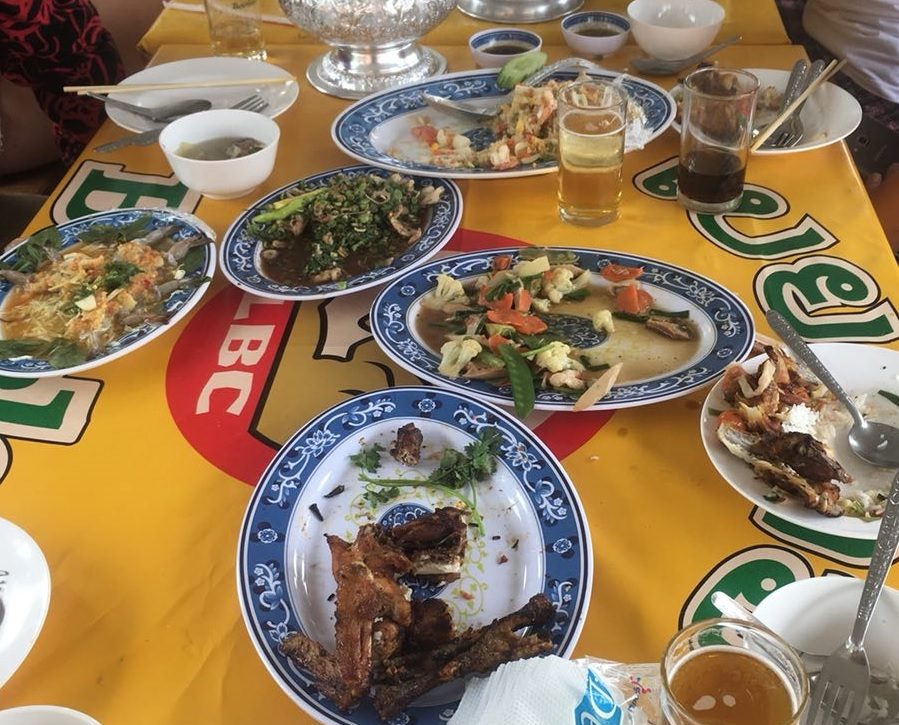 """Foodie's paradise"" – Lao food in pictures"