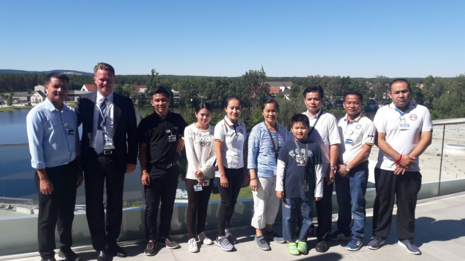 The Lao group with Lars Engel, Managing Director of BHS Corrugated and member of the Foundation Council, on top of the BHS Lifecycle Building