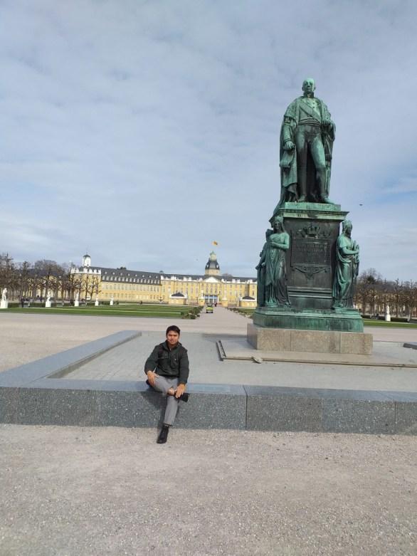 Carl Friedrich von Baden statue in front of Karlsruhe Castle