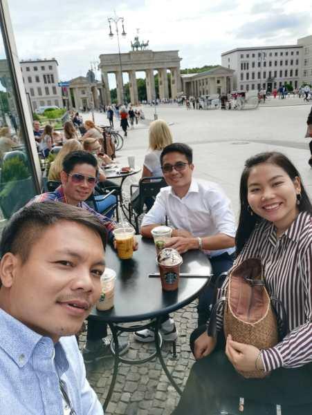 Coffee break with my co-travelers