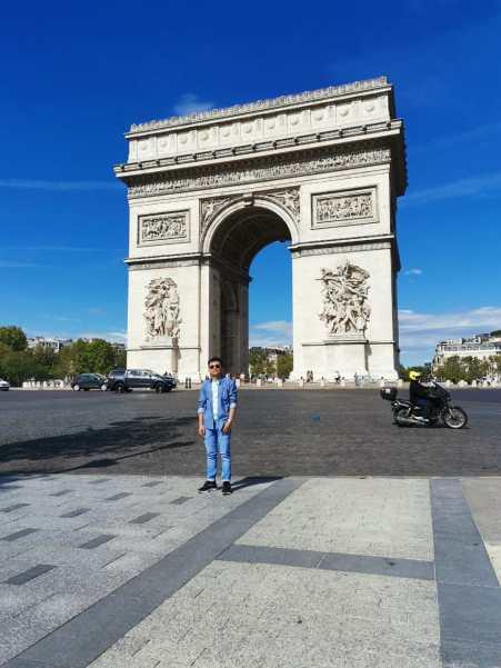 "Discover walk in the Triumphal Arc ""Arc de Triomphe"""