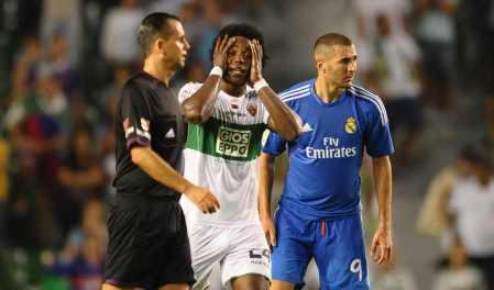 Muniz Fernandez durante un Elche-Real Madrid