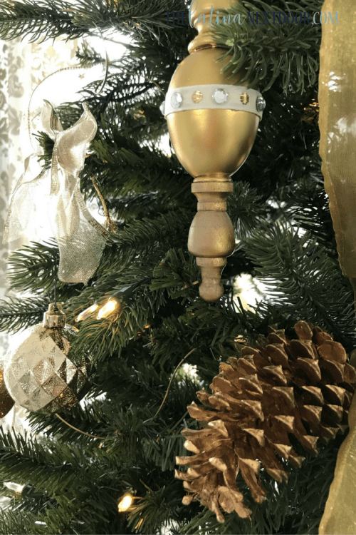 4 2 Simple Gold Christmas Tree
