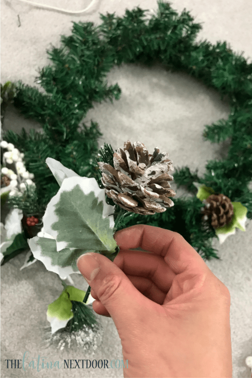 4 6 DIY Dollar Tree Christmas Wreath