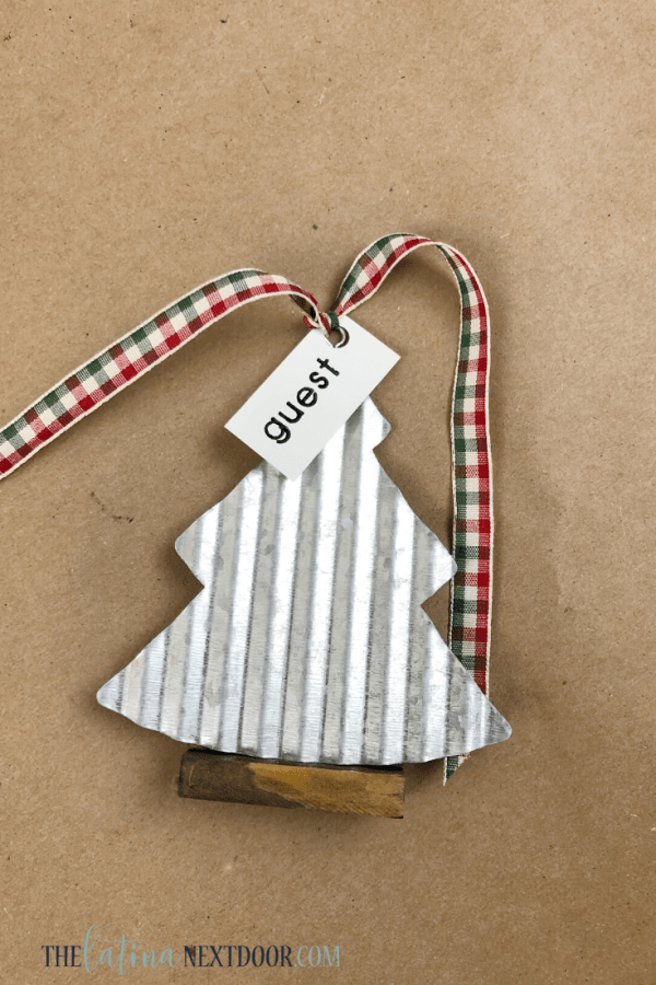 DIY Farmhouse Christmas Placeholders 8 DIY Farmhouse Christmas Placeholder