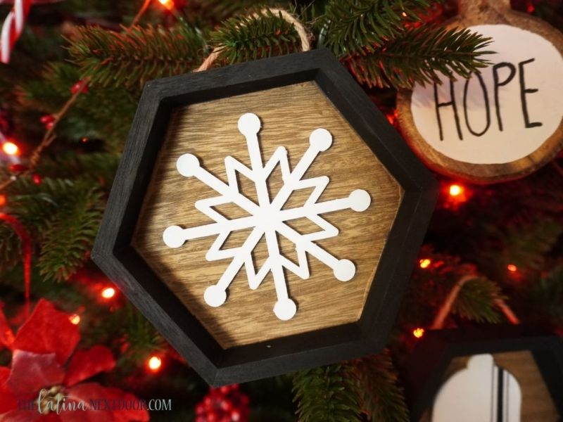 DIY Farmhouse Christmas Ornaments 12 DIY Farmhouse Christmas Ornaments