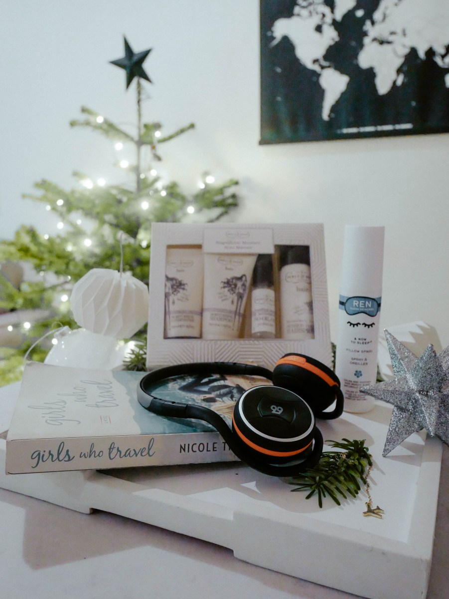 THE ULTIMATE TRAVEL GIRL CHRISTMAS GIFT GUIDE